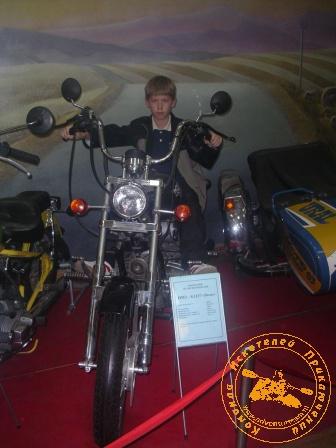 Детская палеонтологическая экспедиция 2006 года. Экскурсия в ирбитский Музей мотоциклов.