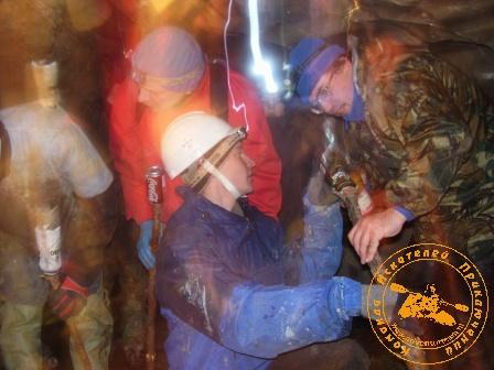 """Экспедиция """"Зимняя Сказка"""", февраль 2007 года. Подготовка факелов"""