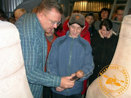 Экскурсия учителей географии В-Пышмы в К-Уральский. В мастерской