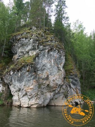Сплав по реке Серга, июль 2005. Безымянная скала
