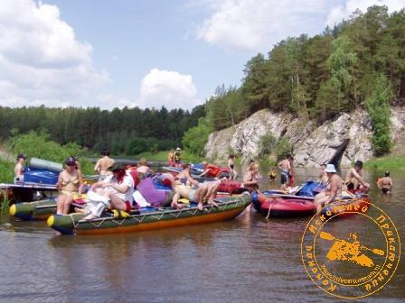 Сплав по реке Нейва в День России.