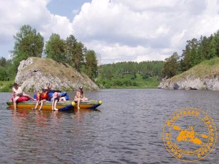 Сплав по реке Нейва в День России. У Старичных скал