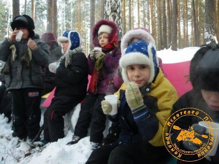 Детский праздник - январь 2010. Сладости с походным чаем