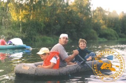 По Великой Уральской реке, август 2003 года. С ребятишками