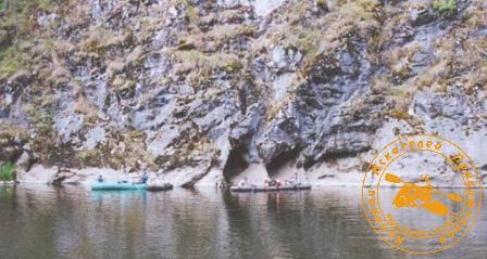 По Великой Уральской реке, август 2003 года. У скал